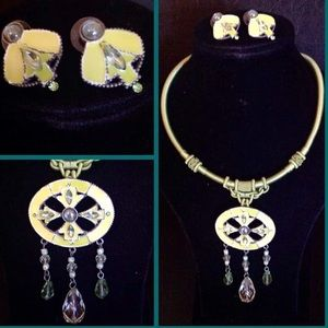 Ming Pao Necklace Set